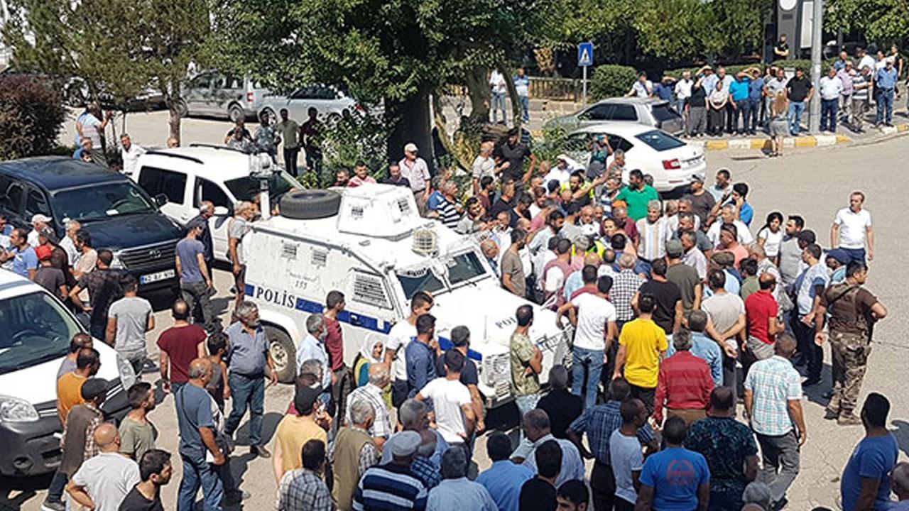 Pompalı tüfekle dehşet saçtı, linçten polis kurtardı