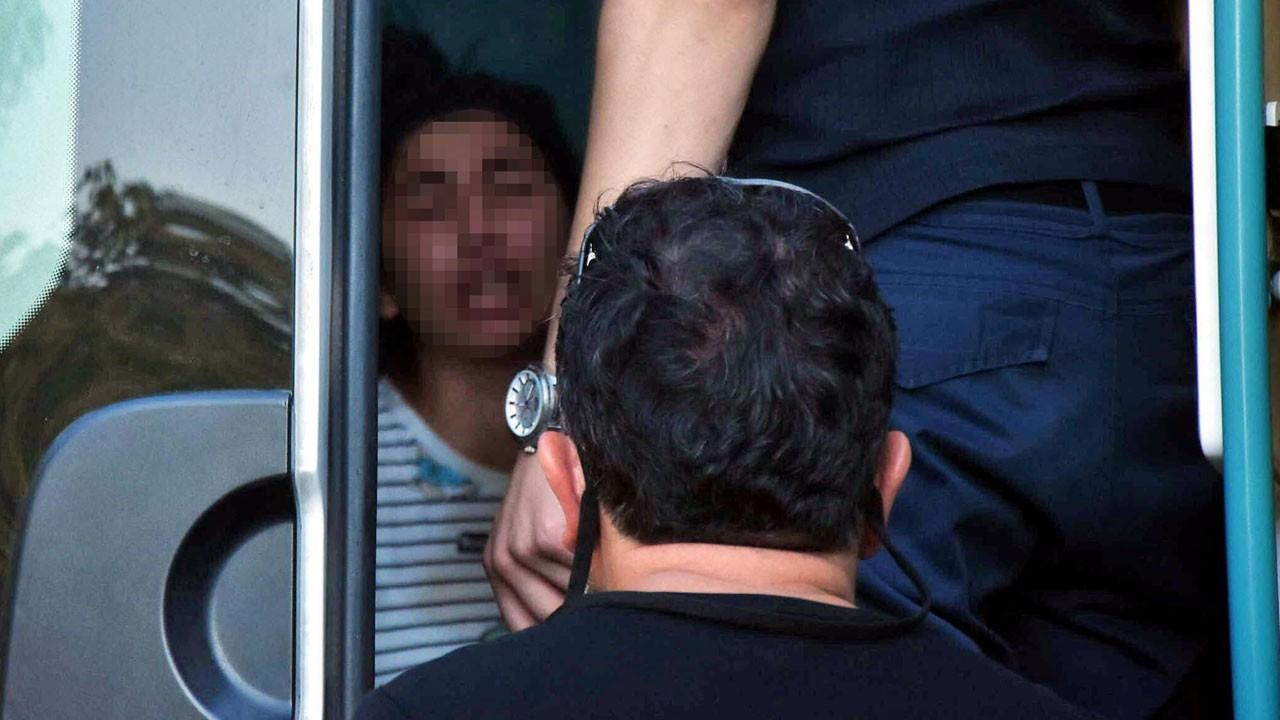 İzmir'de cinnet getiren kişi ablasını darp etti, iki kardeşini de rehin aldı