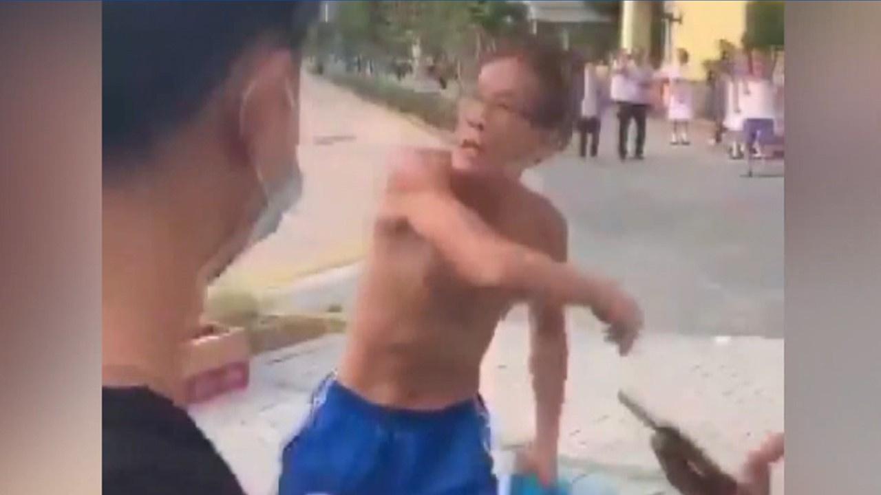 Hong Kong'ta bıçaklı saldırı dehşeti!