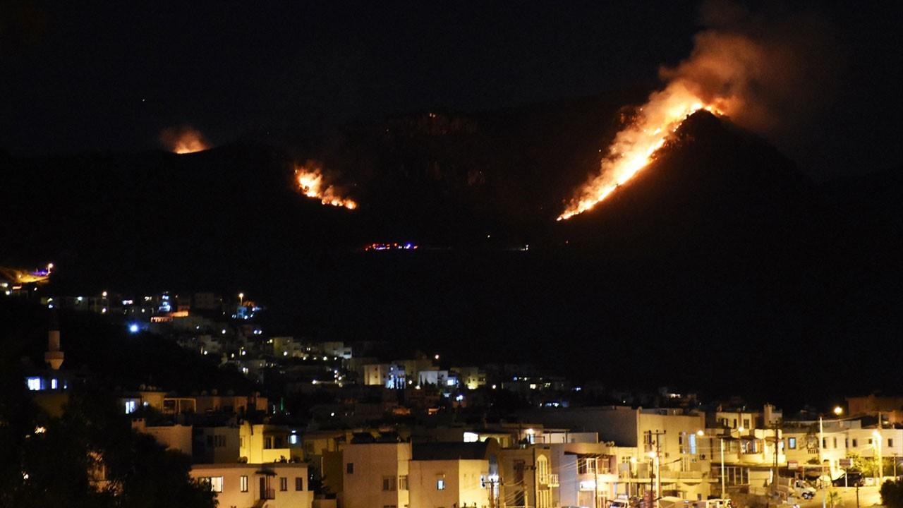 Bodrum'u ayağa kaldıran yangın!.. Yerleşim yerlerini tehdit ediyor!