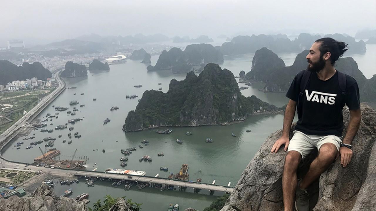 Manisalı Furkan Erdem, otostopla 27 ülkeyi gezdi