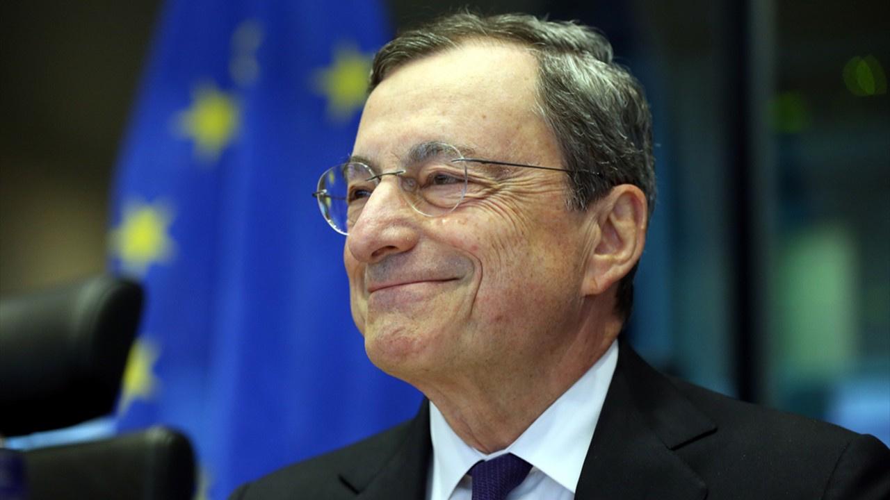 """ECB Başkanı Mario Draghi'den """"belirsizlik"""" uyarısı"""