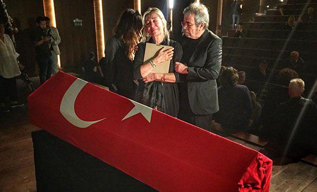 Tarık Ünlüoğlu'nun cenazesinde yine aynı skandal - Sayfa 2
