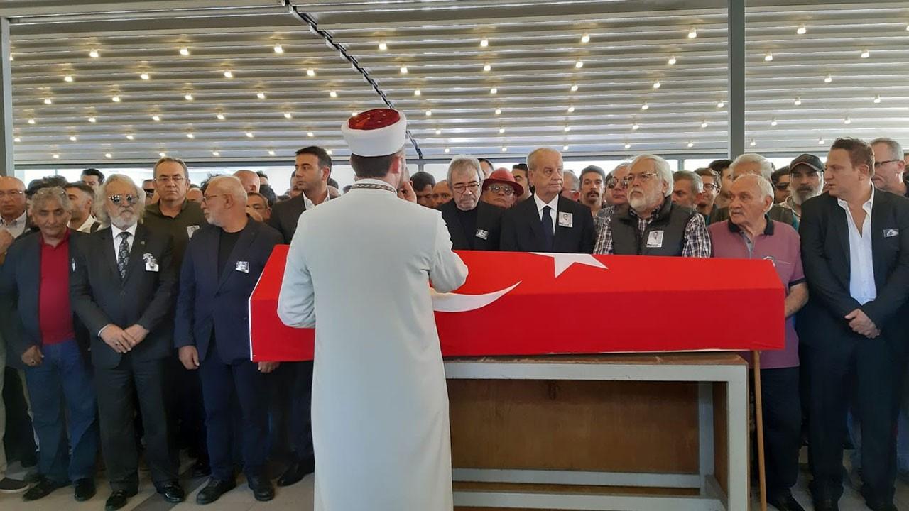 Tarık Ünlüoğlu'nun cenazesinde yine aynı skandal