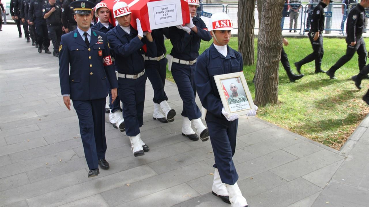 Şehit Piyade Er Erhan Gürbüz son yolculuğuna uğurladı