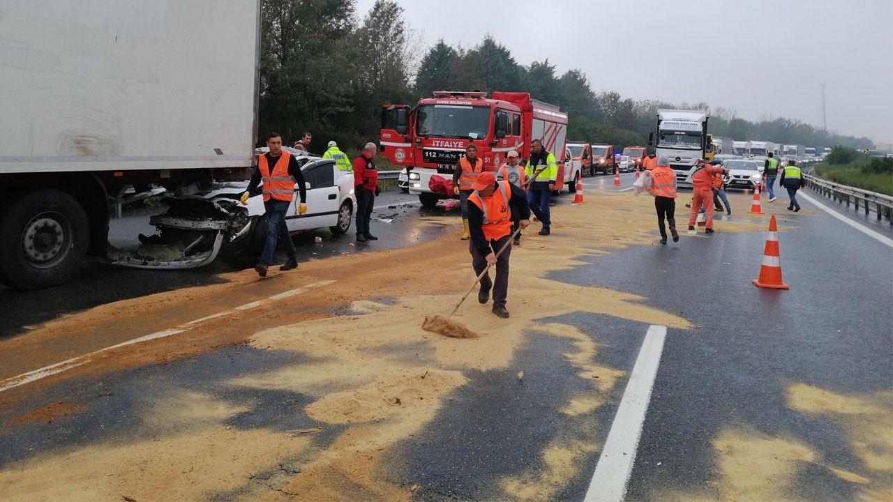 TEM'de zincirleme kaza!.. 12 araç birbirine girdi!