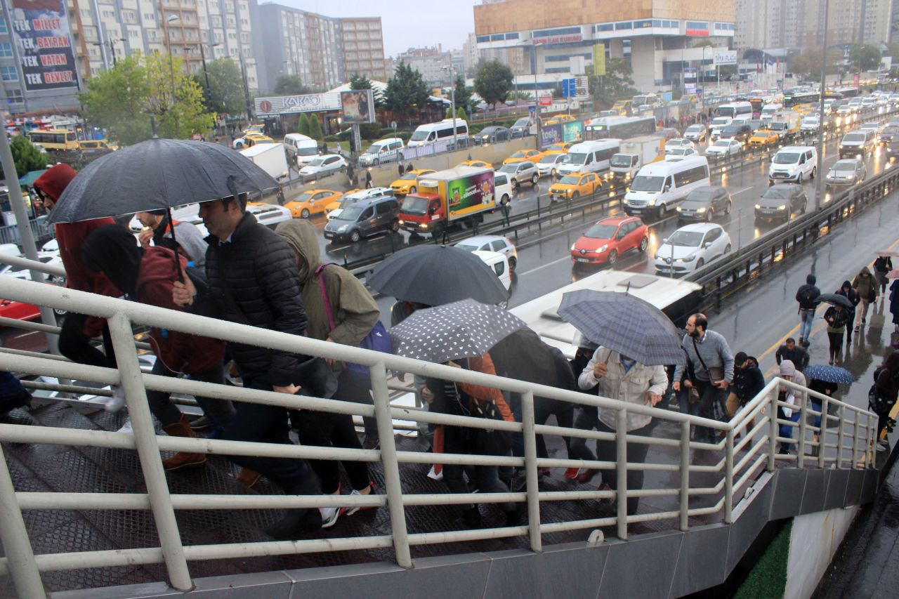 İstanbul'da kuvvetli yağıştan manzaralar - Sayfa 4