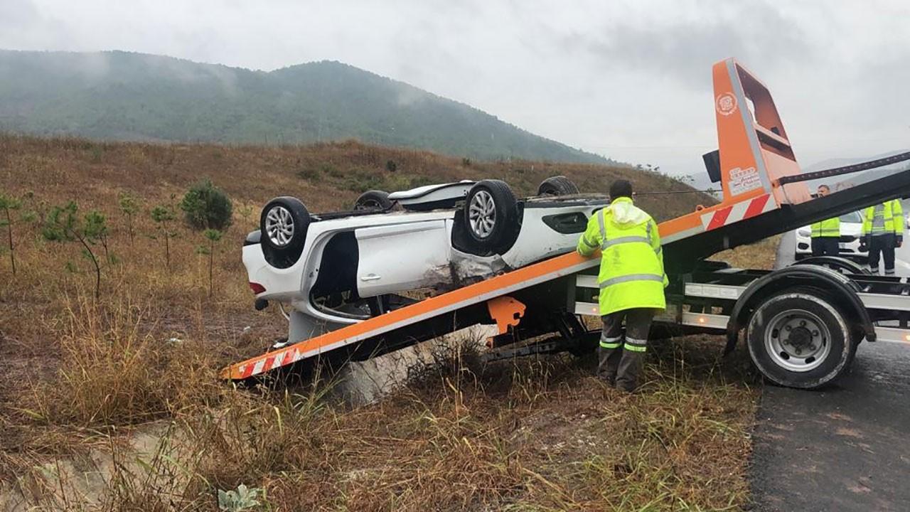 Vakıfbank Spor Kulubü teknik heyetini taşıyan araç şarampole uçtu