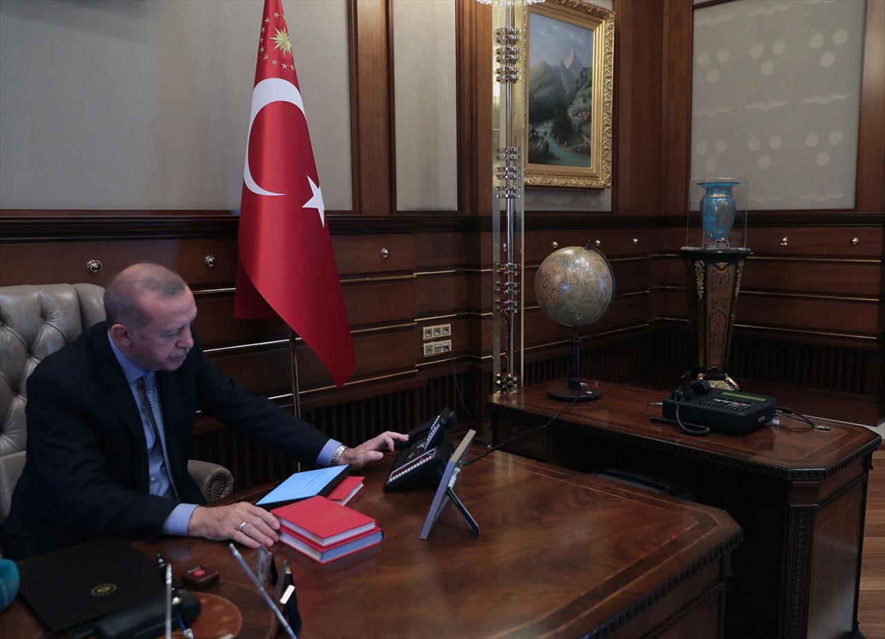 Cumhurbaşkanı Erdoğan'ın harekatın talimatını verdiği anın fotoğrafı paylaşıldı.