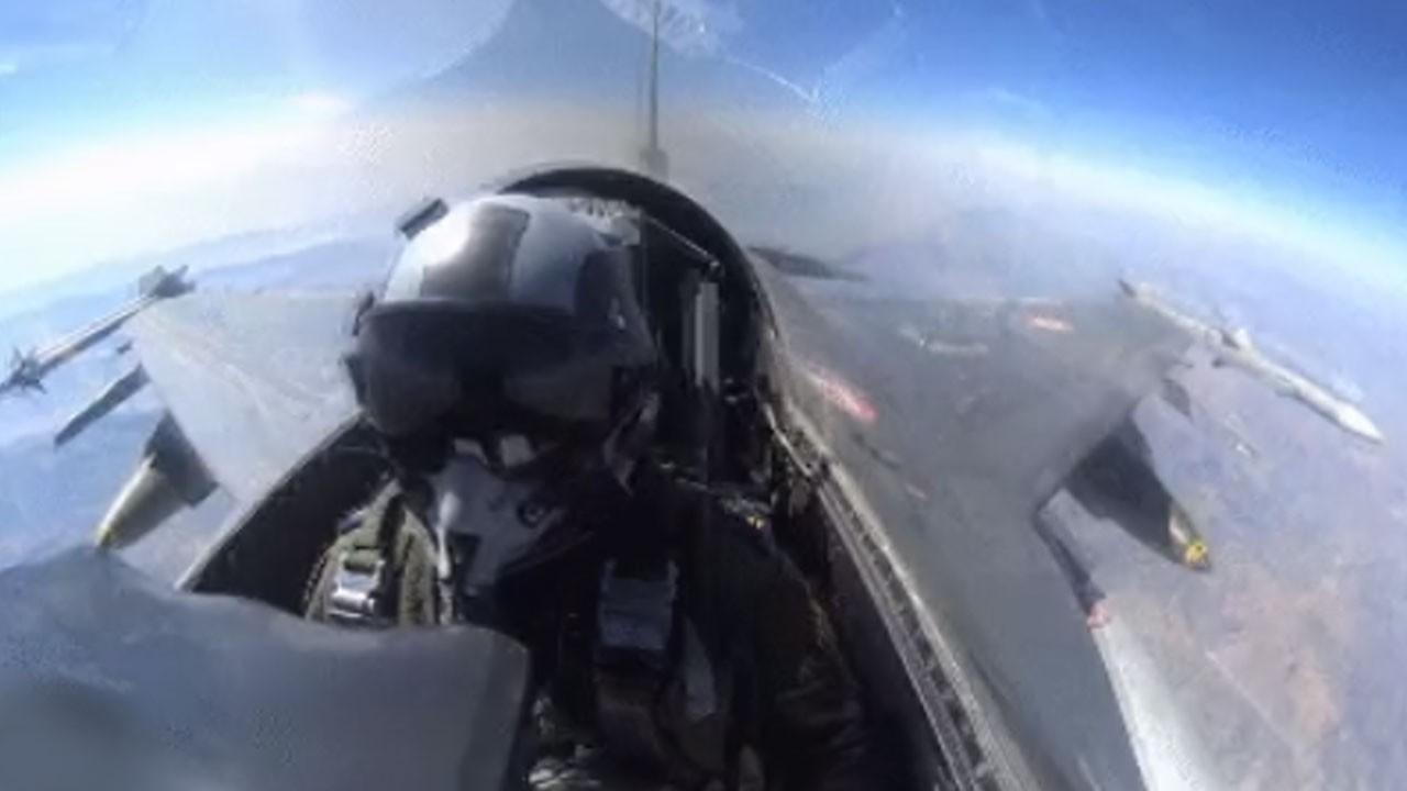 F-16'lar böyle bombalıyor