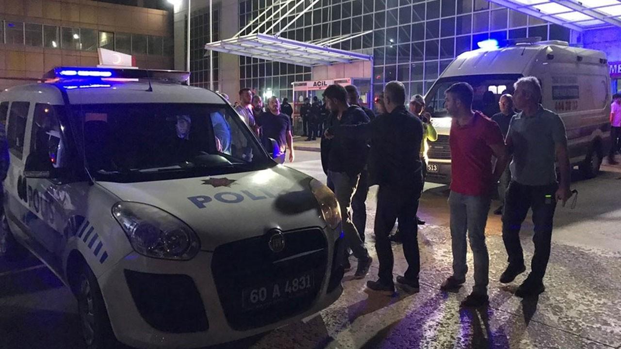 Hastane önünde silahlı çatışma: 1 ölü, 3 ağır yaralı