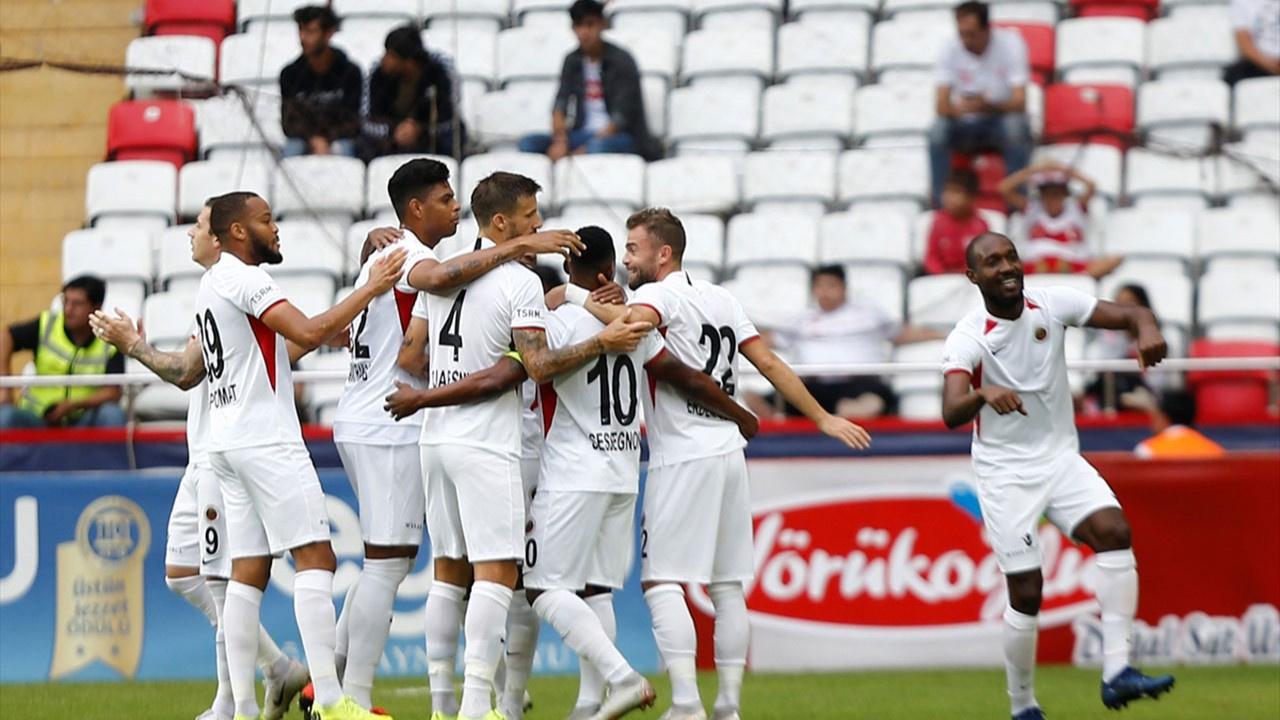 Gençlerbirliği, Antalyaspor'u perişan etti: 6-0