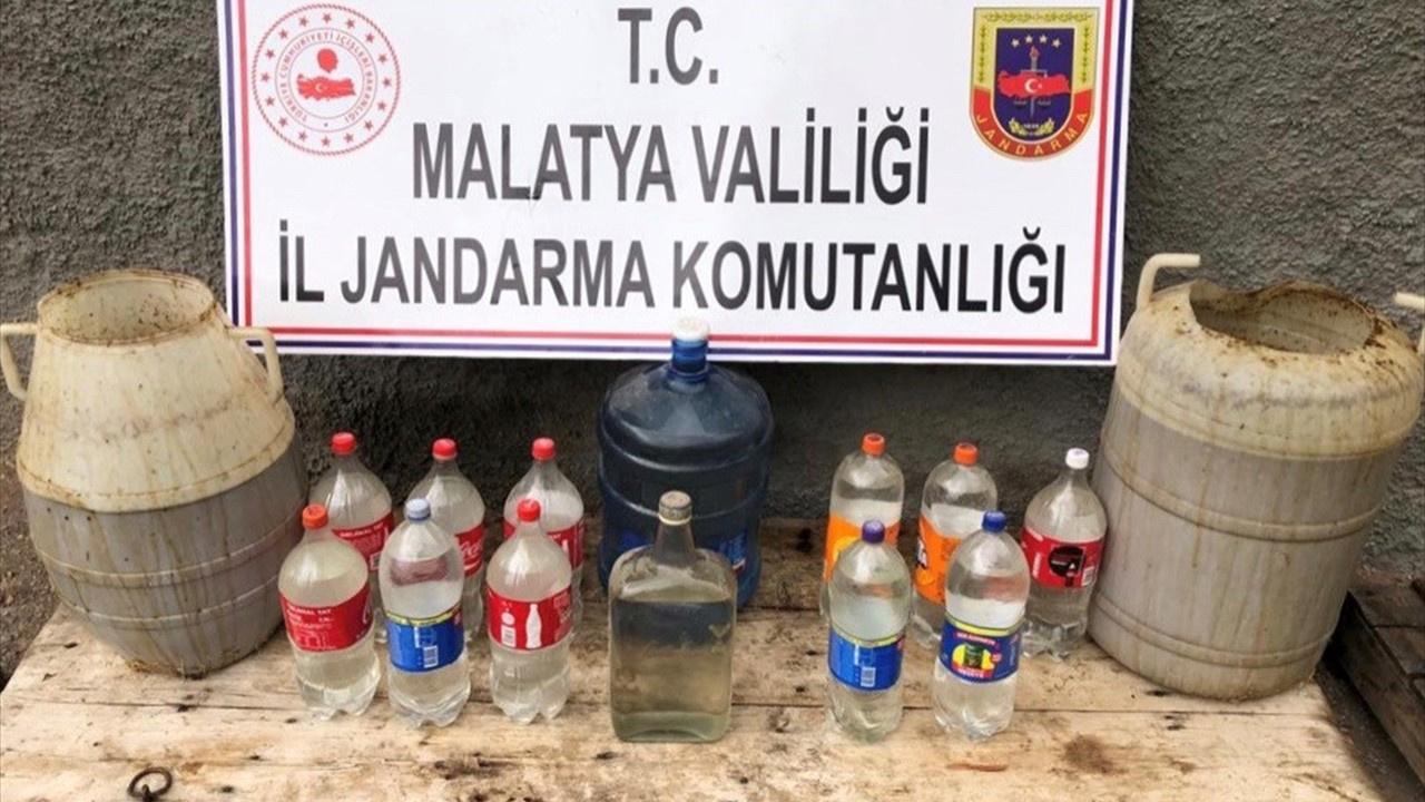 Malatya'da pislik içinde 1000 litre sahte içki!