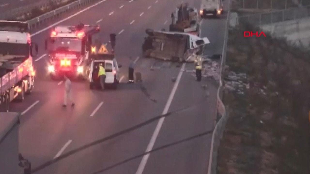 Beykoz'da minibüs devrildi! Yolcular ölümden döndü