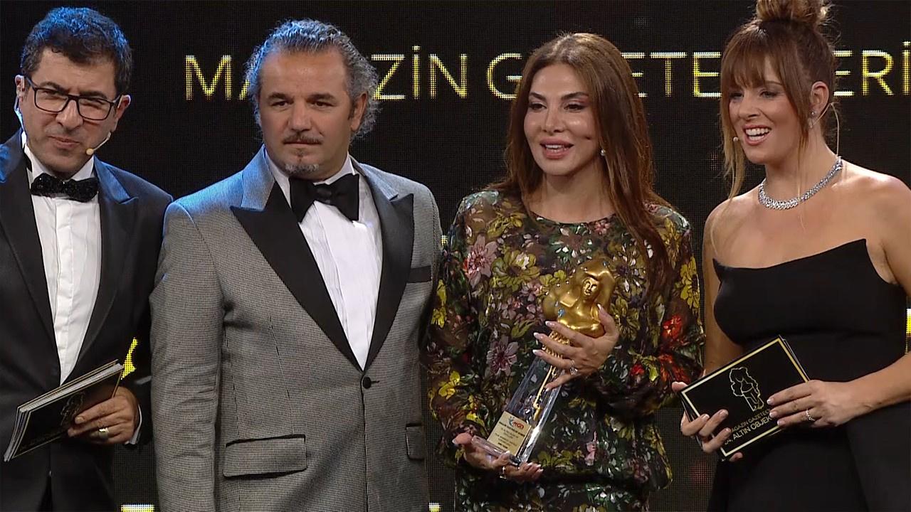 Ebru Yaşar, Yılın Arabesk Fantezi Yorumcusu ödülünü aldı!