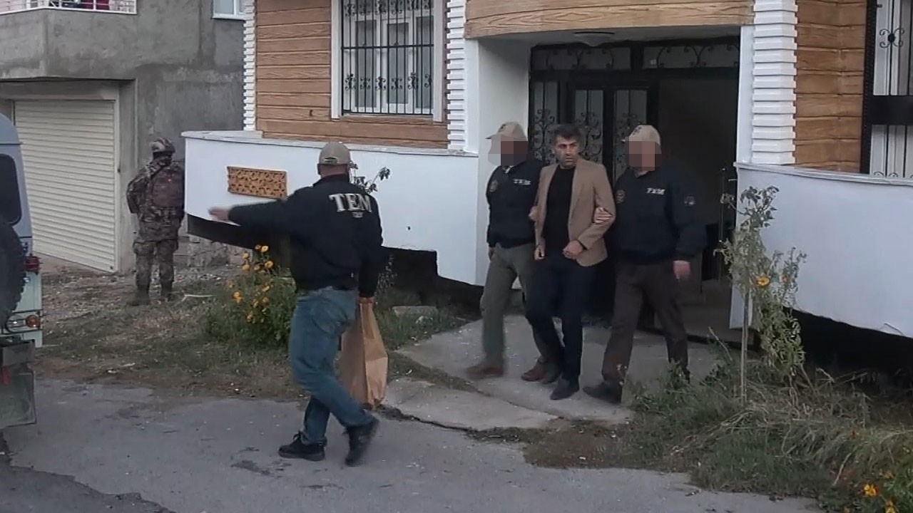 HDP'li belediye başkanı ve eş başkanı gözaltına alındı!
