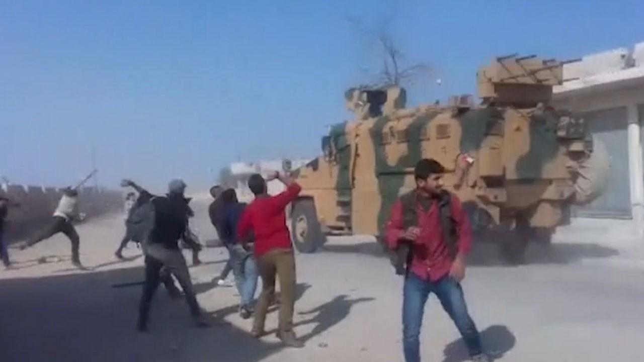 Amerikaya kucak, Türk askerine taş!