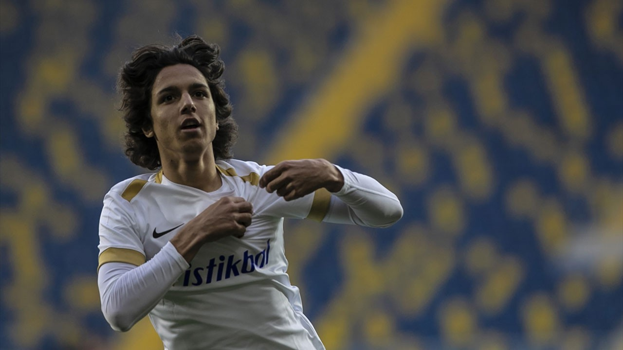 Süper Lig tarihinde gol atan en genç futbolcu oldu