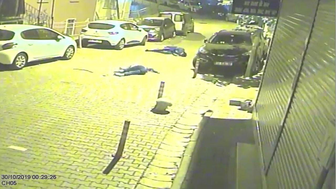 Yer: İstanbul... Biri 16 diğeri 15 yaşında!.. Mahalleli sokağa döküldü!