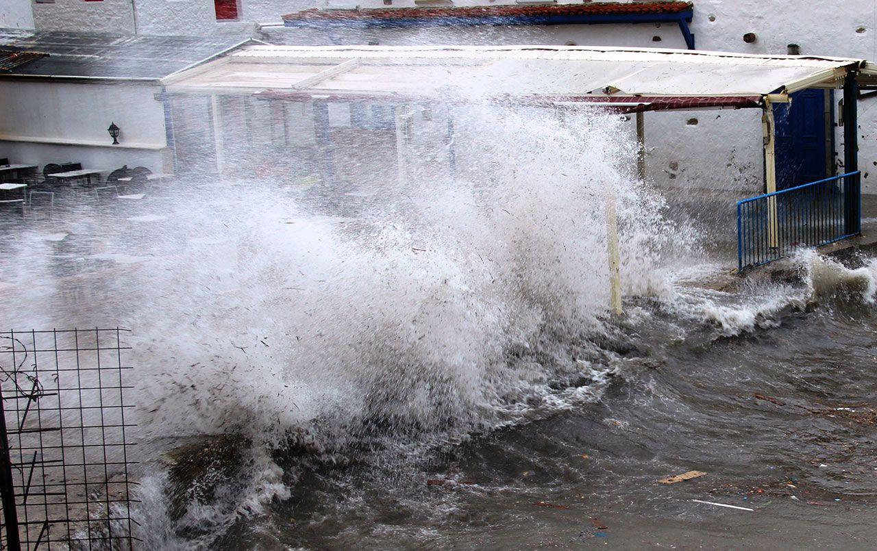 Fırtına Bodrum'da kabus oldu - Sayfa 1