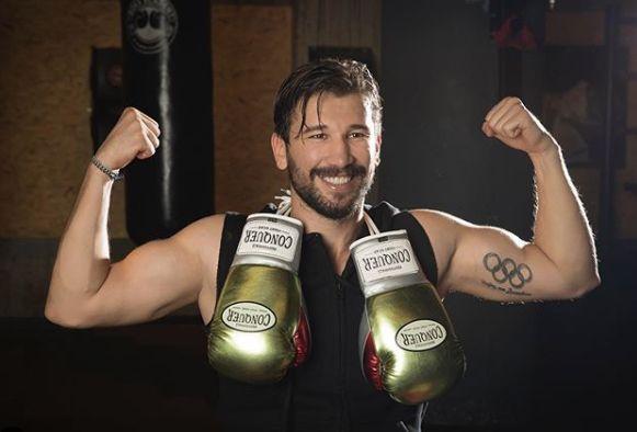 Survivor şampiyonu Milli boksör, polisin kafasında şişe kırdı! - Sayfa 1