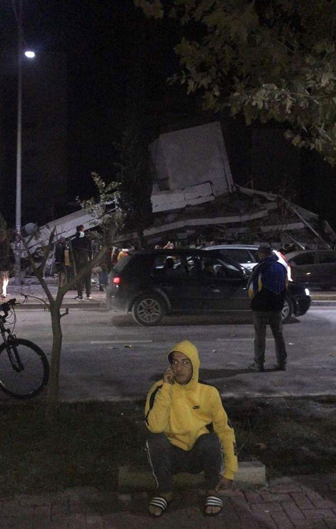 Arnavutluk'ta deprem felaketi!.. Bilanço ağır!.. Enkaz altında kalanlar, ölenler ve yaralananlar var! - Sayfa 1