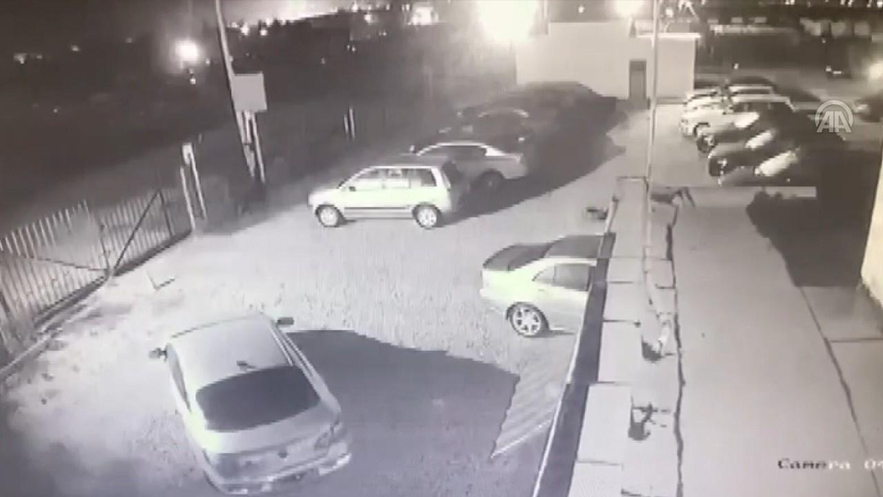 Arnavutluk'ta yaşanan deprem anı kameralara böyle yansıdı!