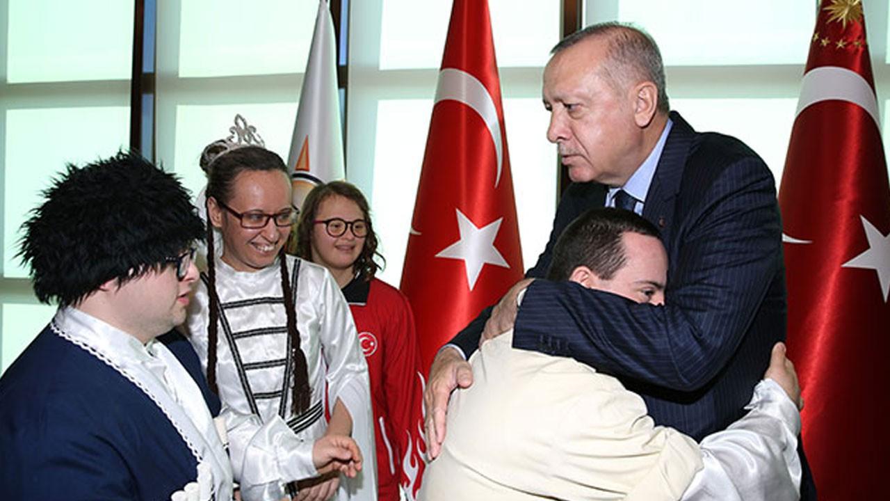 Cumhurbaşkanı Erdoğan, engelliler ile buluştu