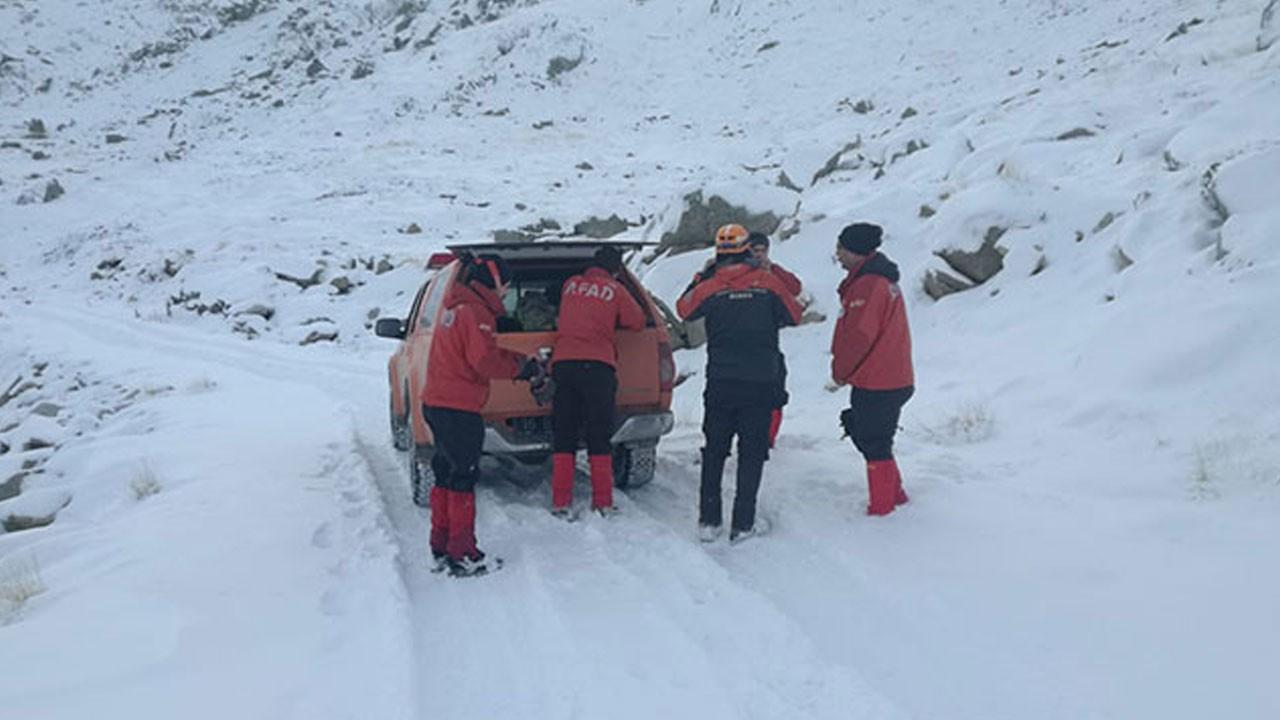 Uludağ'da 2 dağcıyı arayan AKUT ekibi de kayboldu