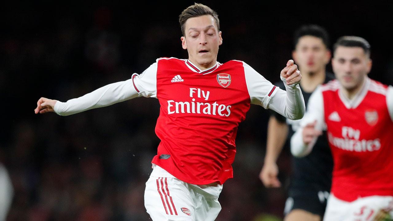Mesut Özil'e Çin şoku