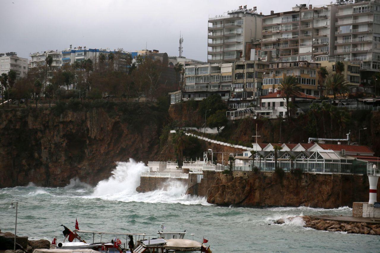 Antalya bugün kabusa uyandı - Sayfa 2