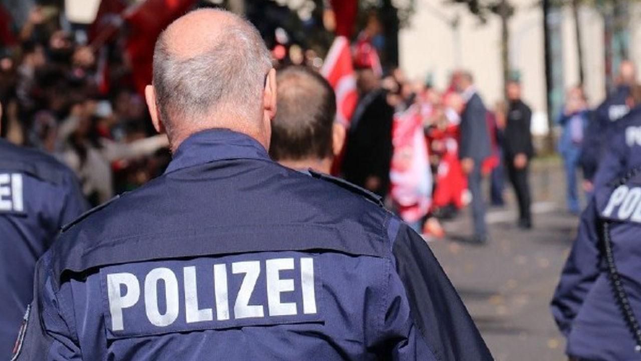 Alman polisi bir Türk'ü vurarak öldürdü