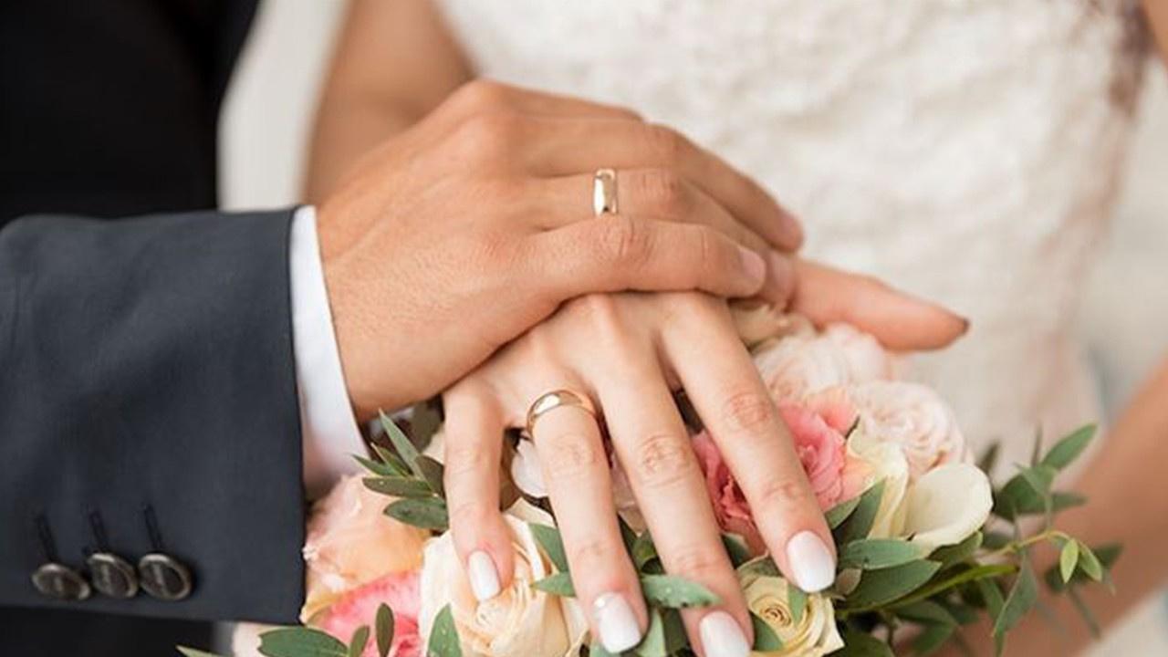 Ünlü oyuncu gizlice evlendi!