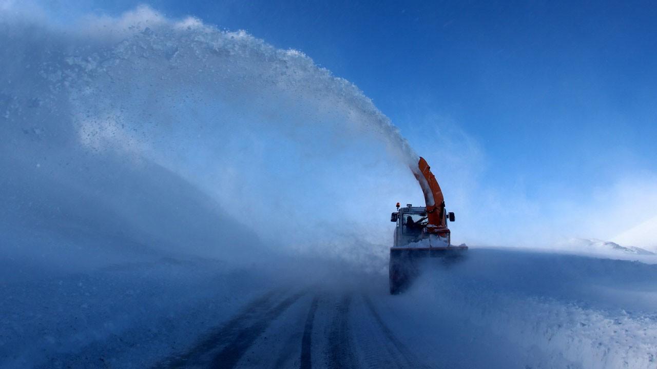 Kar kalınlığı 3.5 metreyi buldu!