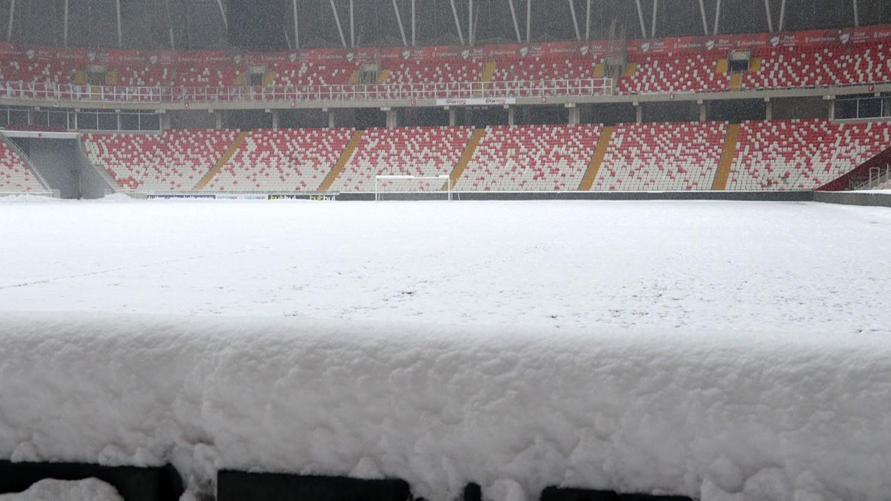 Sivasspor - Antalyaspor maçı oynanacak mı?