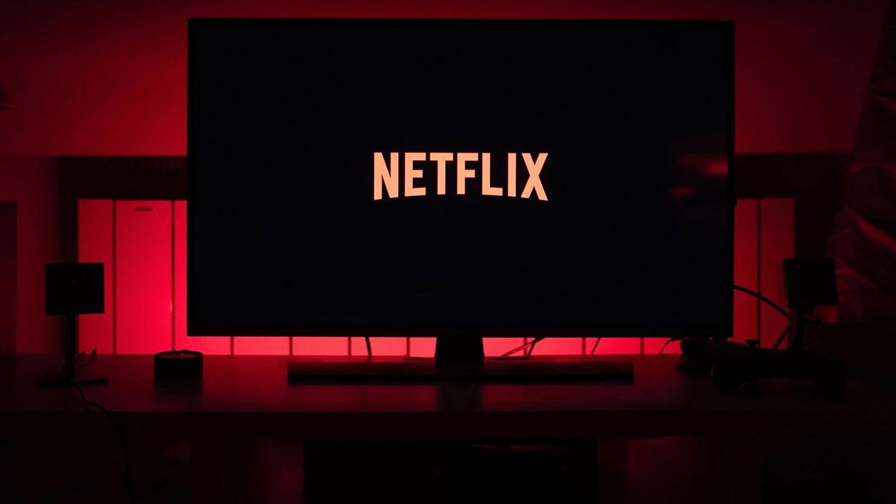 İptal edilen Netflix dizisinin gay çiftini kimler