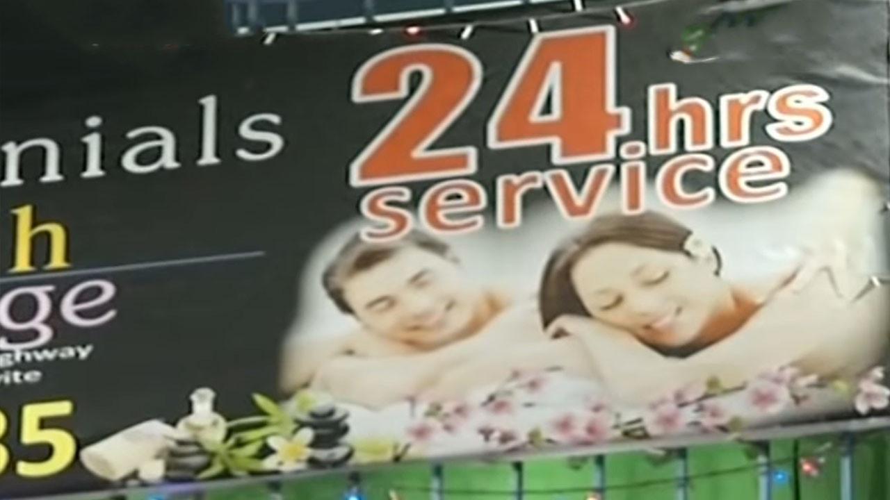 Baskınların ardından 24 saat hizmet veren mekanlar kapatıldı.