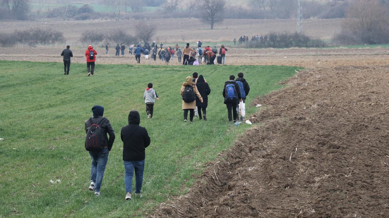 Mülteciler sınır kapılarına akın ediyor!