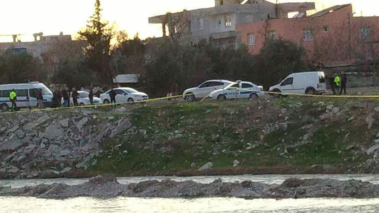 Arazide patlamamış el bombası bulundu