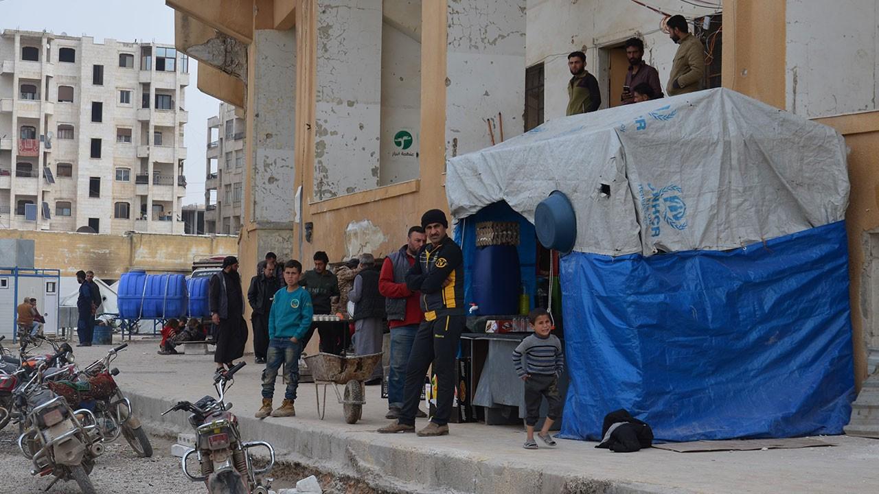 Suriyeliler stadyumda yaşıyor