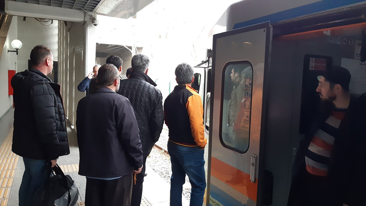 Atatürk Havalimanı  metro seferleri durdu