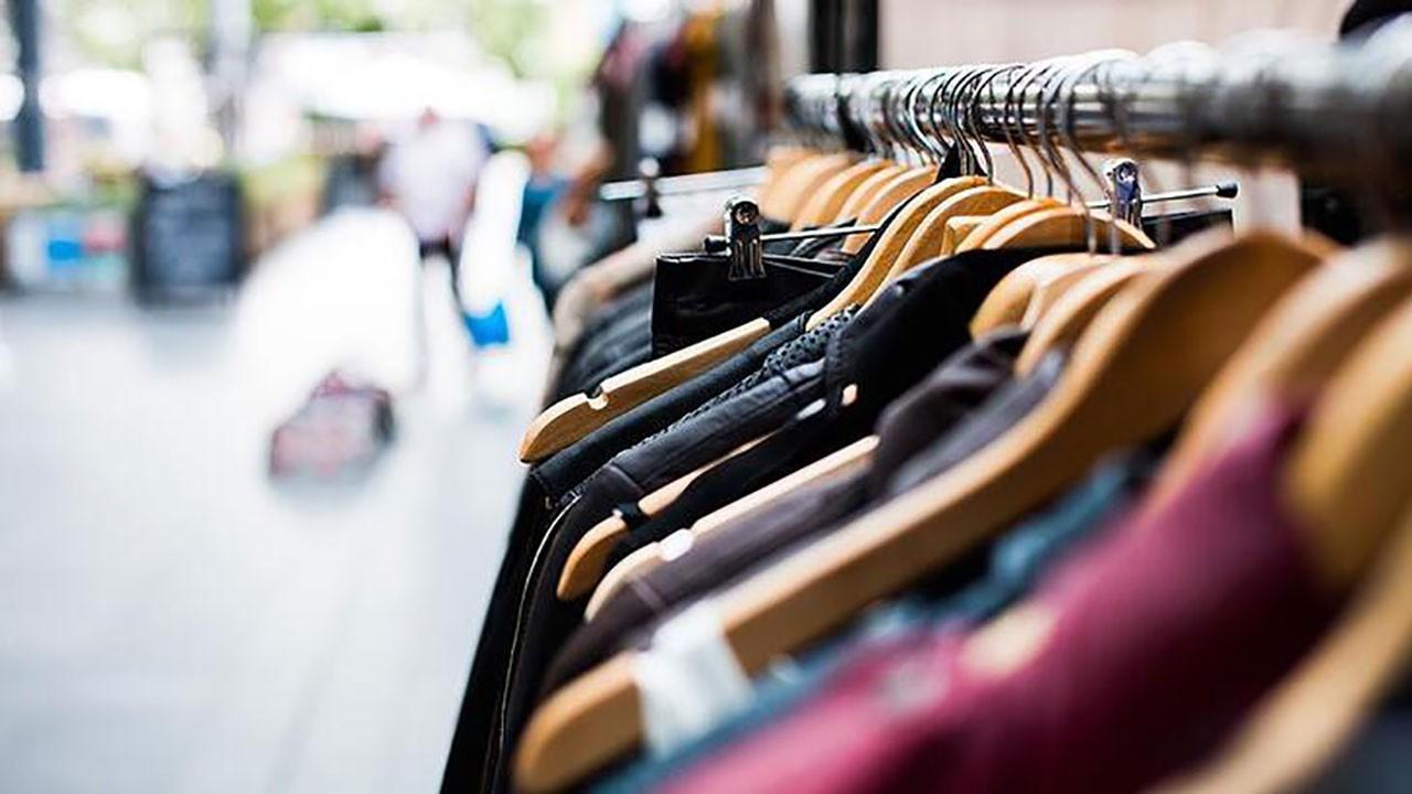 Giyim mağazaları geçici olarak bir bir apanıyor