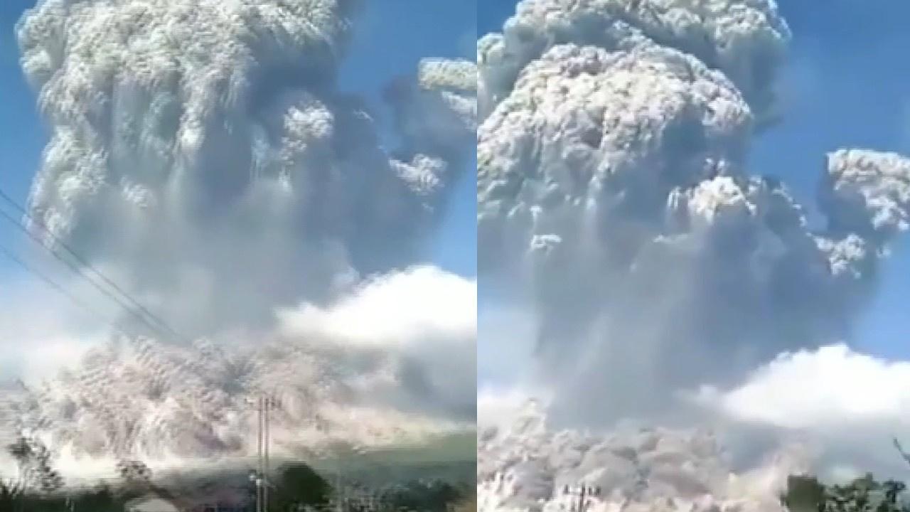 Endonezya'da yanardağ patlaması!