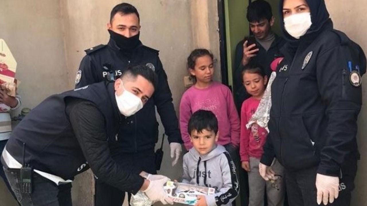 Polislerden 5 yaşındaki Salih'e sürpriz
