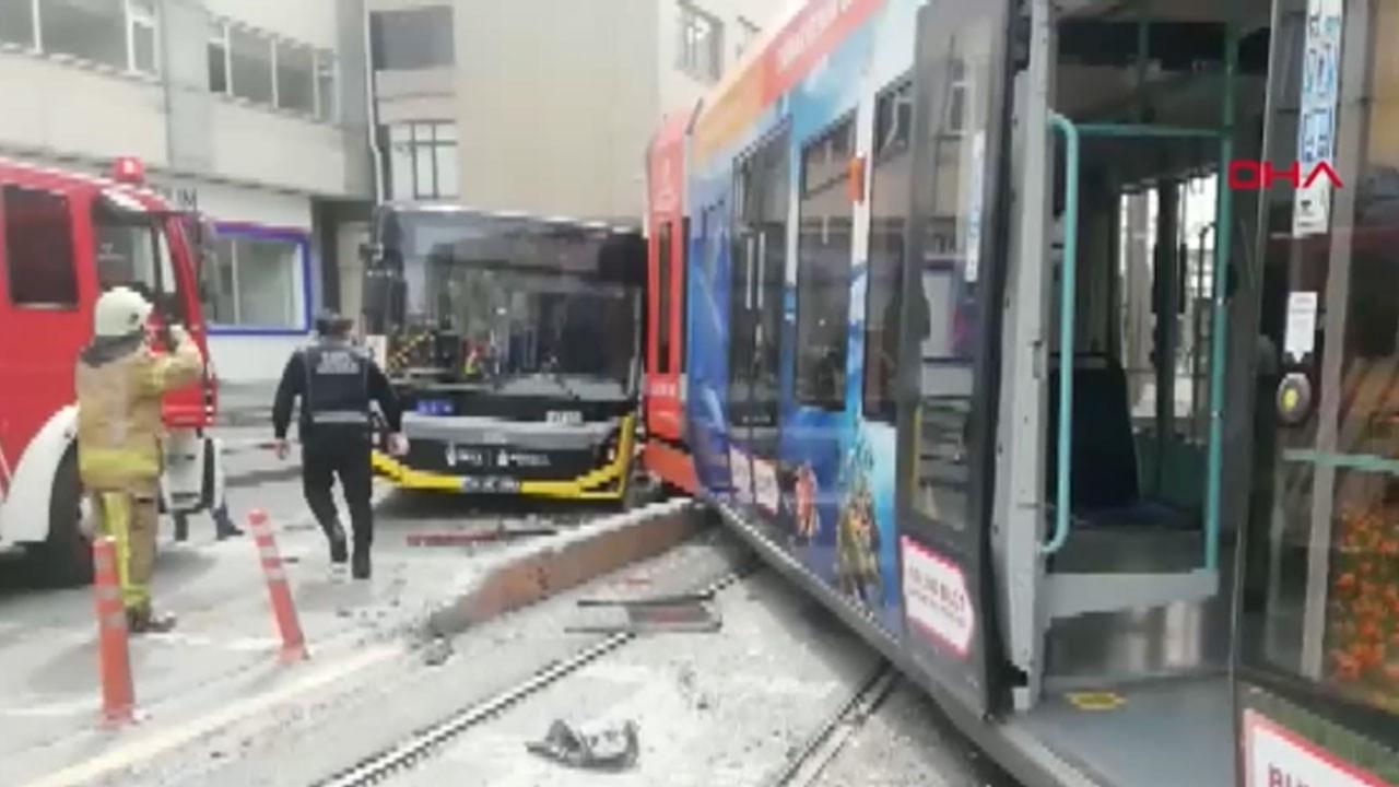 Raydan çıkan tramvay otobüse çarptı