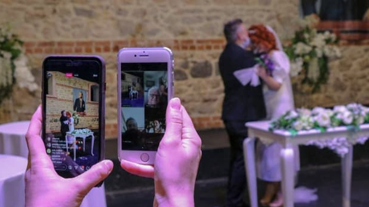 Online nikahla dünyaevine girdiler!
