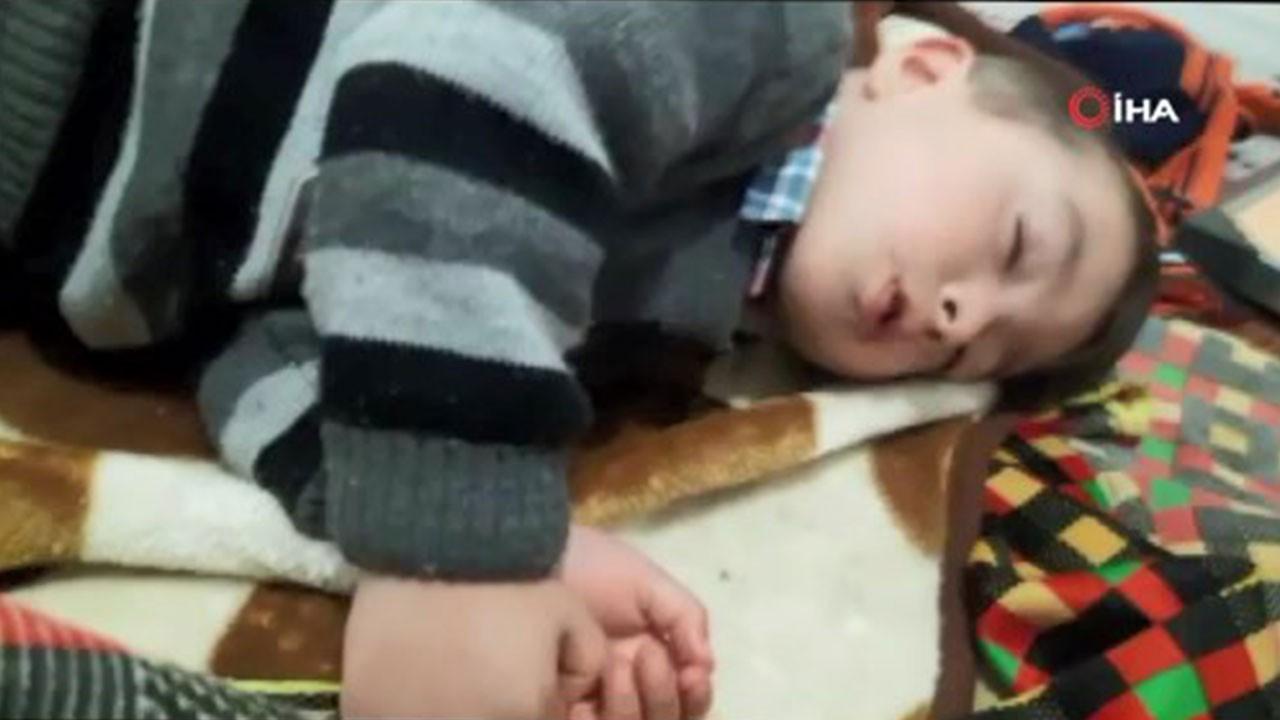 Sahura uyanan çocuğun uykuyla imtihanı gülümsetti