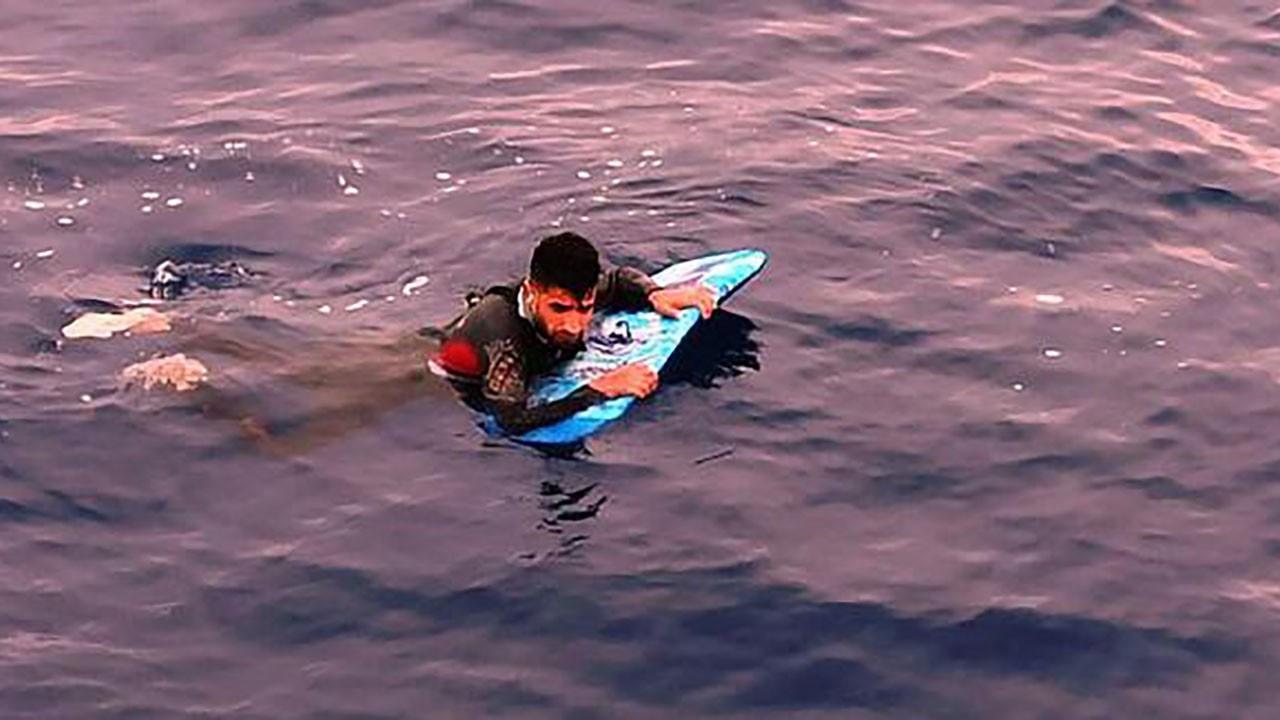 Yunanistan'a sörf tahtasıyla geçmeye kalktı
