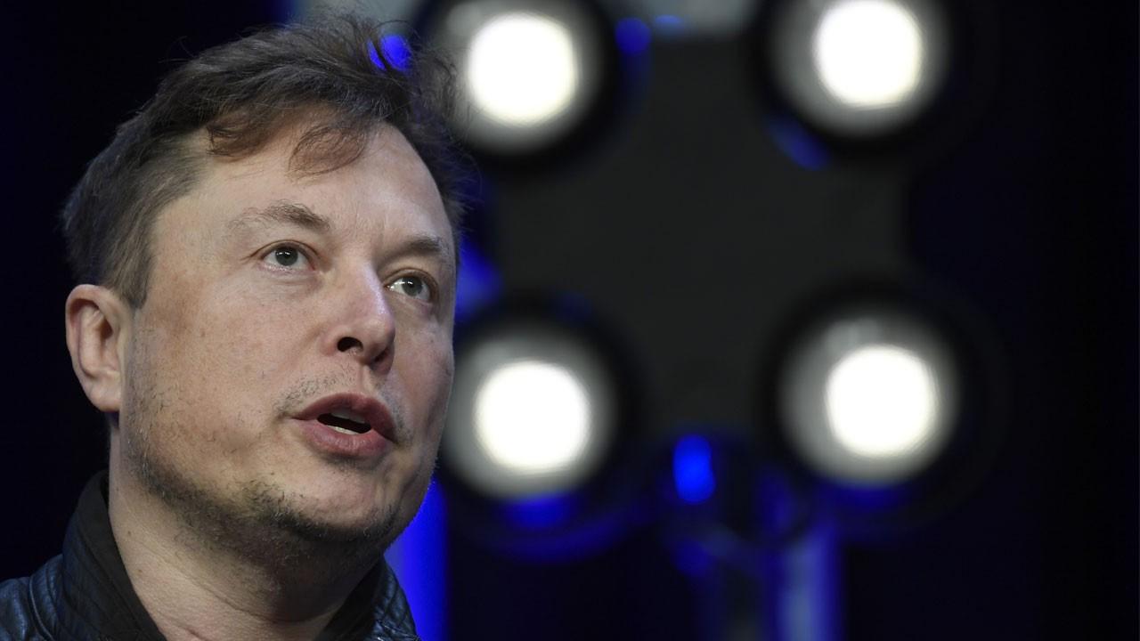 Elon Musk, 'beyin kontrol cihazını' tanıttı!