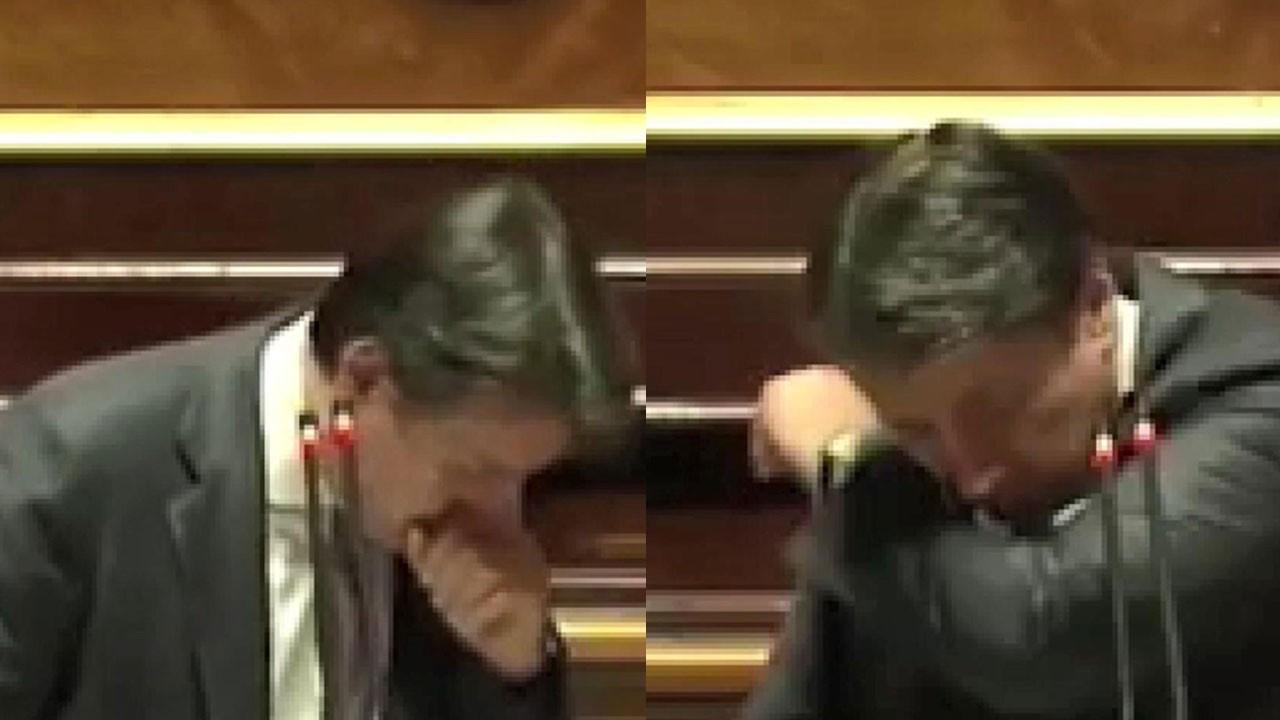 Parlamento kürsüsünde öksürük krizine girdi
